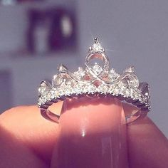 Fairytale Midnight Princess Tiara Ring - - Description: The most beautiful princess ring and we love it! Top off your mani with our Fairytale Midnight Princess Ring. Cute Rings, Pretty Rings, Beautiful Rings, 15 Rings, Simple Rings, Halo Rings, Beautiful Pictures, Ring Set, Ring Verlobung
