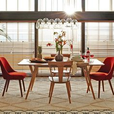 Mid-Century Expandable Dining Table: