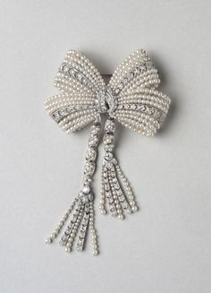 Brooch; c. 1915  Medium: Platinum, diamonds, pearls
