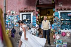 Magiška Italijos dvasia pagauta http://jurasduo.com/   / Amalfi Coast / Italy / Italia / Italija / wedding photography / wedding dress / wedding hair accessories / bridal accessories: AKCENTAS / www.facebook.com/accessoriesakcentas /  https://www.instagram.com/akcentasaccessories/