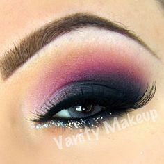 Mac shadows in Parfait Amour, passionate soft brown and Carbon. Pigments in helium and pink opal. Backtrack fluid line and Mac 3D silver glitter