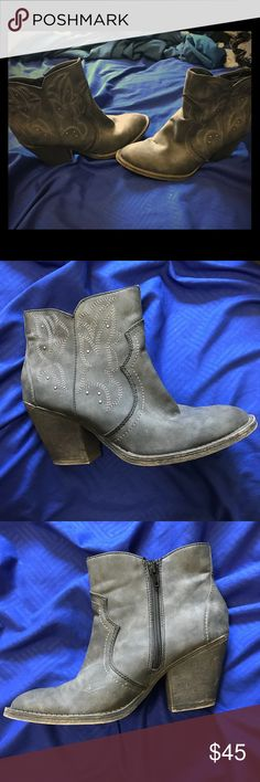 81cf085cf8 Short Gray Cowboy Boots There super cute short gray cowboy boots