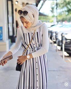 45 Elegant Muslim Outfits Ideas For Eid Mubarak - Thick leg, short stature, wide. 45 Elegant Muslim Outfits Ideas For Eid Mubarak – Thick leg, short stature, wide hips … It's Hijab Fashion Summer, Modern Hijab Fashion, Street Hijab Fashion, Hijab Fashion Inspiration, Muslim Fashion, Modest Fashion, Classy Fashion, Islamic Fashion, Style Inspiration