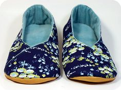 Kimono Shoes by TinyApartmentCrafts, via Flickr