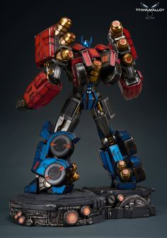 Titanium Alloy Fall of Cybertron Optimus Prime Statue Revealed - Transformers News - Transformers Cybertron, Transformers Optimus Prime, Gi Joe, Robot Picture, Robot Design, Game Design, Battle Robots, Art Basics, Transformers Action Figures