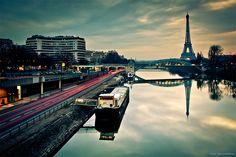 Paris: Tour Eiffel et le Seine (via http://www.splashnology.com/article/breathtaking-photos-of-paris/4929/)