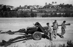 17 pounder AT Gun. The Panther meets it's match Military Paint, Ww2 Tanks, British Army, North Africa, Military History, Military Vehicles, World War, Wwii, Guns