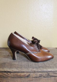 vintage 1920s heels 20s brown leather art deco oxford heels by enna jettick new in original