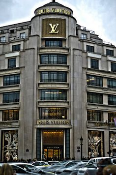 Louis Vuitton in Paris, France corner of av Georges V and av. Des Champs Elysées, Paris 8eme.