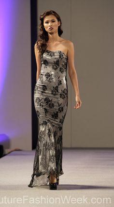 #moteuke #stil #designer #couture #AndresAquino #kvinne #modell #kjole #mote #fashion