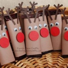 Preschool Crafts for Kids*: Christmas Reindeer Chocolate bars Craft Christmas Art, Christmas Projects, Christmas Holidays, Christmas Cookies, Christmas Ideas, Reindeer Christmas, Christmas Jesus, Class Christmas Gifts, Christmas Costumes
