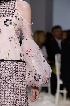 See detail photos for Giambattista Valli Spring 2016 Couture collection.