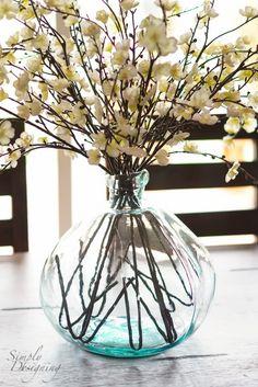 Decorate your Beach House - vase Dining Room Table Centerpieces, Vases Decor, Floral Decorations, Diy Decoration, Decor Ideas, Beach House Decor, Diy Home Decor, Glass Vase, Cut Glass