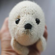 Harp Seal Knitting pattern by Rachel Borello Carroll
