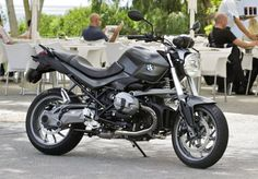 BMWは1日、2013年3月1日付けでBMW Motorradの「F800R」および「R1200R」の価格を改定すると発表した。   「F800R Hi Line」は15万4000円の値下げ、「R1200R Hi Line」と「R1200R Classic」は20万円の値下...