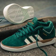 Adidas Shoes OFF! ►► Finally here! Tyshawn Jones gets his own adidas Skateboarding signature pack featuring a shoe pants jacket ✅ Addidas Sneakers, Best Sneakers, Skate Shoe Brands, Skate Shoes, Sneaker Boots, Adidas Shoes Women, Adidas Men, Snicker Shoes, Shoe Releases