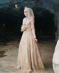 Likes, 46 Comments - Gaun Muslim Wedding Gown, Muslimah Wedding Dress, Muslim Wedding Dresses, Muslim Brides, Muslim Dress, Dream Wedding Dresses, Bridal Dresses, Malay Wedding Dress, Muslim Couples