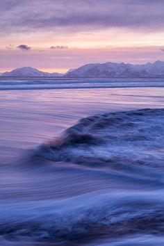 ✯ Opposing Waves