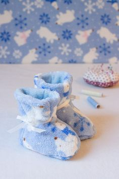 Nähanleitung: Kuschlige Babystiefel selbst nähen