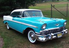 1956 Chevrolet Bel Air in blue+white