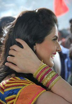 Zareen Khan Indian Bollywood Actress, Beautiful Bollywood Actress, Bollywood Fashion, Indian Actresses, Zarine Khan Hot, Cinema, Indian Girls, Celebrities, Divas