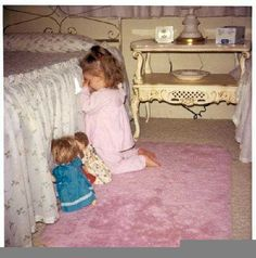 Funny pictures about Bedtime Prayer. Oh, and cool pics about Bedtime Prayer. Also, Bedtime Prayer photos. Precious Children, Beautiful Children, Little People, Little Girls, Cute Kids, Cute Babies, Caleb Y Sofia, Bedtime Prayer, Belle Photo