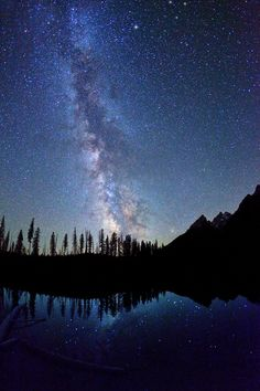 Utah-based photographer Royce Bair takes some truly breathtaking nighttime sky photos, especially of the Milky Way. He purposely captures stars with landscapes in the foreground, calling his beautiful set Nightscapes. Though he's been photographing these enhanced landscapes against a twilight sky for over 30 years now, it was only recently that he started using some new techniques.