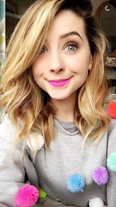 omg sa couleur des lèvres oui oui oui – All About Hairstyles Zoella Beauty, Hair Beauty, Zoe Sugg, Fancy Hairstyles, Oui Oui, Love Her Style, Celebs, Celebrities, New Hair