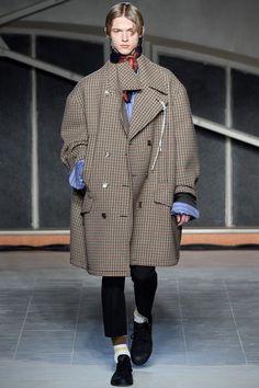 Raf Simons Fall 2016 Menswear Collection Photos - Vogue