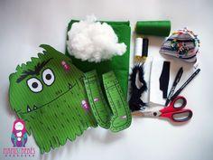 Tutorial para hacer el monstruo de colores | Mamis y bebés Crochet Monsters, Emotion, Cute Dolls, Kids Education, Baby Sewing, Toddler Activities, Diy Crafts, Christmas Ornaments, Holiday Decor