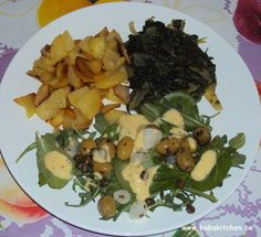 pdt sautées, épinards, salade olives et roquette