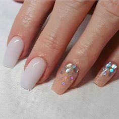 32 Pretty mix and match pink nail art designs - Mix glitter ombré pink and peach nails #prettynails