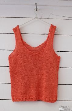 Free Knitting Pattern for Easy Streamline Tank - Easy sleeveless top knit in . Crochet Woman, Knit Crochet, Knitting Patterns, Crochet Patterns, Free Knitting, Dress Sewing Tutorials, Knitted Tank Top, Top Pattern, Crochet Clothes