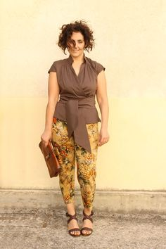 Floral pants for summer An outfit idea on what to wear with floral trousers