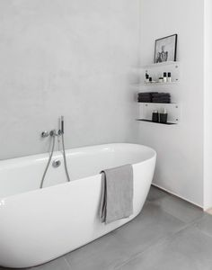 Compendious Minimalist Bathroom 20