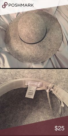 Nordstrom Grey Flat Brimmed Sun Hat Brand New Never Worn just no tags! Black leather strap around the top. Nordstrom Accessories Hats
