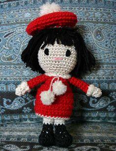 Amigurumi bambola parigina by Hobby Uncinetto, via Flickr