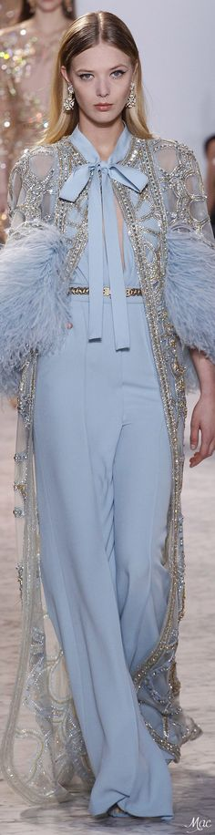 The complete Elie Saab Spring 2017 Couture fashion show now on Vogue Runway. Fashion Week, Fashion 2017, Runway Fashion, High Fashion, Paris Fashion, Elie Saab Spring, Elie Saab Couture, Style Haute Couture, Couture Fashion