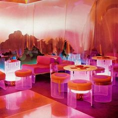 A photo of an amazing nightclub from 1968 in Bolzano Italy. Interior design by Cesare Casati Gino Marotta & Emmanuele Ponzio. Via domus. How cool is that club?!?!     #interior #interiordesign #instadecor  #interiorinspo #interiorinspiration #interiors #midcenturymodern #decor  #homedecor #interiordesigner #design #adstyle #elledecor #instagood #interiorinspiration #interiors #homedesign #instadecor #decoration #decorlovers #vogueliving #instagood #interiordecorating #moderndesign…