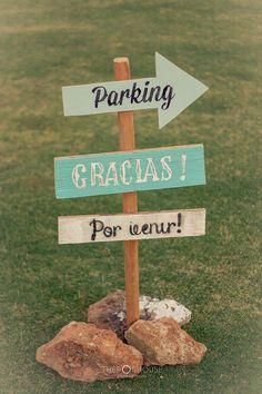 boda playera 3                                                                                                                                                     Más Chic Wedding, Wedding Signs, Our Wedding, Rustic Wedding Centerpieces, Wedding Decorations, Wedding Bouquets, Wedding Planner, Wedding Inspiration, Pegasus