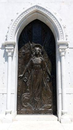 GOOD HARD WORKING PEOPLE: Photos of Cementerio de Colón (Vedado, La Habana, Cuba)