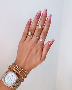 Nail inspo and ring goals 😍😍😍 Repost 💕 . Marble Nails, Pink Marble, Acrylic Nails, Coffin Nails, Cute Nails, My Nails, Hourglass Figure Fashion, Wedding Nails For Bride, Luxury Nails