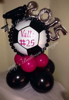 – - Decoration For Home Soccer Theme, Football Themes, Balloon Centerpieces, Balloon Decorations, Graduation Balloons, Graduation Ideas, Centre Pieces, Sculptures, Birthday