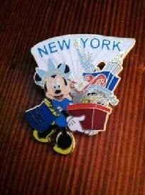 Minnie Mouse NEW YORK Shopping Disney Pin *FREE SHIPPING!* $4.95