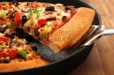 Frying Pan Pizza Recipe by Shireen Anwar Cast Iron Skillet Pizza, Cast Iron Cooking, Skillet Pan, Traeger Recipes, Grilling Recipes, Frying Pan Pizza, Frying Pans, Shireen Anwar Recipes, Salsa Fresca