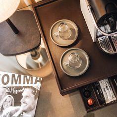 I have to get up - my coffee needs me ☕💤 Nichts geht über einen Kick am Morgen, um mal wieder richtig gut in den Tag zu starten. Der eine braucht Kaffee. Der andere lieber Tee. Egal wie - wichtig ist, dass du mit deiner Lieblingsrutine in den Tag startest 💪 und dann deinen Donnerstag rockst! Ausgeschlafen wird wieder am Wochenende 😉. Weißt du wo ausschlafen auch toll ist? In den super kuscheligen und großen Betten bei eva, 🛏️💛 #durchhalten #evamoments #saalbach Hotels, Super, Beverage, Food, Full Size Beds, Good Morning Thursday, Keep Up, Don't Care, Kaffee