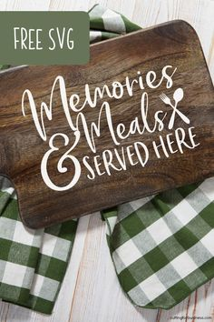 cricut vinyl projects Free 'Memories & Meals Served Here' Farmhouse Kitchen SVG cut file for Silhouette Portrait or Cameo and Cricut Explore or Maker. Includes commercial use. Vinyl Projects, Diy Craft Projects, Diy Crafts, Free Svg, Silhouette Machine, Silhouette Cameo, Silhouette Projects, Diy Cutting Board, Die Cutting