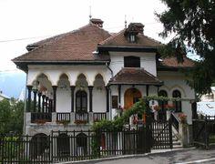 Casa Cezar Petrescu din Bușteni Architecture Unique, Architecture Portfolio, Beautiful Homes, Beautiful Places, Bucharest, Modern House Design, Home Fashion, Traditional House, Building A House