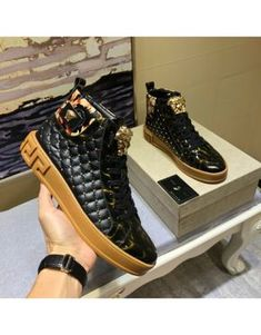 Versace High Tops Shoes For Men – Men's style, accessories, mens fashion trends 2020 Lv Shoes, Gucci Shoes Sneakers, Versace Shoes, Versace Men, Casual Sneakers, Sneakers Fashion, Casual Shoes, Fashion Shoes, Dress Shoes
