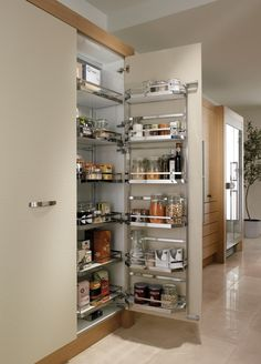 Top 10 The Best Kitchen Storage Ideas : Top 10 The Best Kitchen Storage Ideas – Huge Storage with pull-out tandem larder Kitchen Room Design, Modern Kitchen Design, Kitchen Interior, Kitchen Decor, Modern Kitchen Cabinets, Kitchen Furniture, New Kitchen, Kitchen Larder Cupboard, Kitchen Cupboard Organization